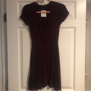 NWT forever 21 wrap dress in plum purple size M